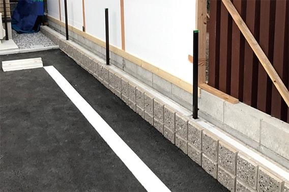 既存ブロックの上から施工可能