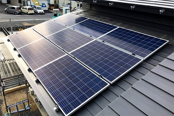 屋根上 太陽光発電設置